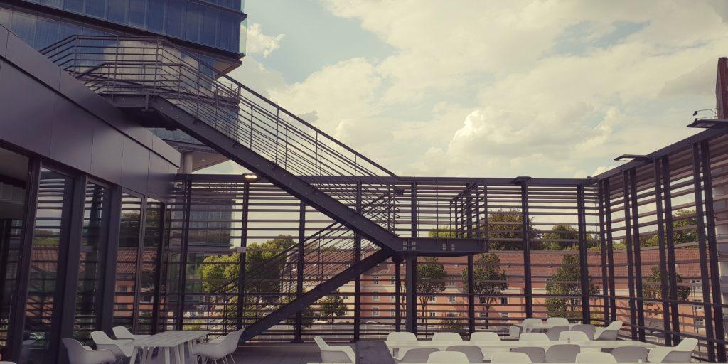 """<span style=""""font-size:17px""""><span style=""""color:#0073bd"""">Bürohochhaus Horizon – Düsseldorf</span>"""