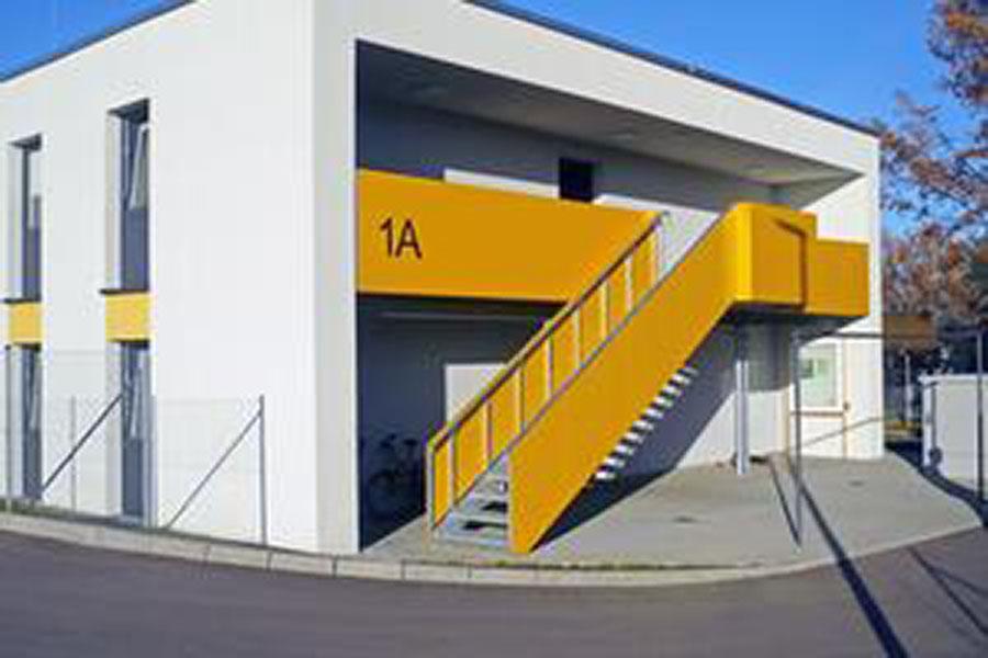 "<span style=""font-size:17px""><span style=""color:#0073bd"">Systembauten – Stuttgart</span></span>"