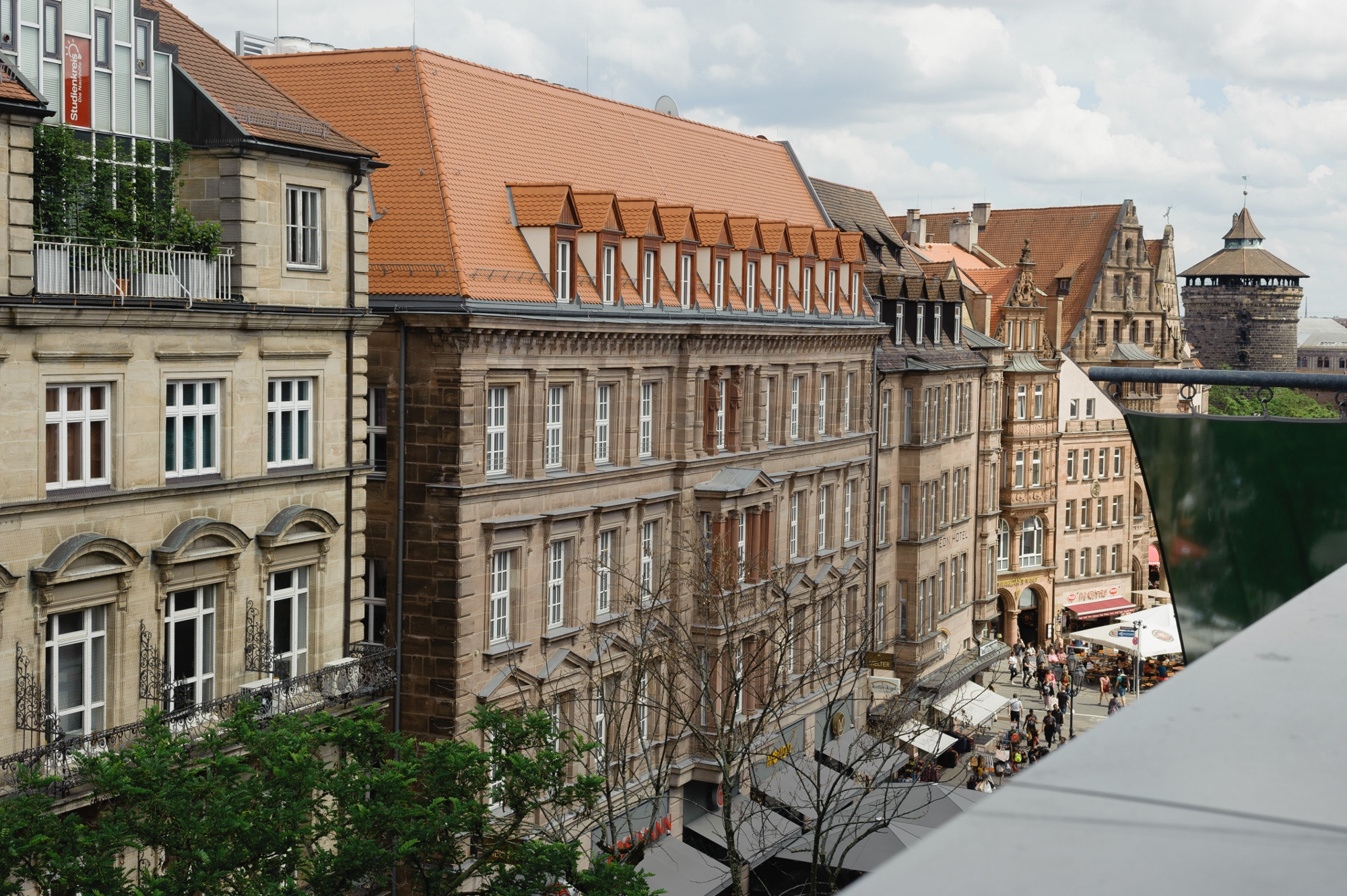 "<span style=""font-size:17px""><span style=""color:#0073bd"">Hotel Königsstraße – Nürnberg</span></span>"